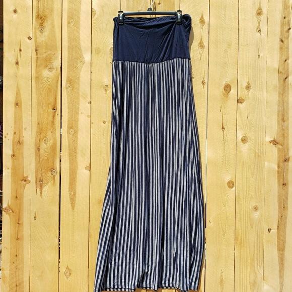 Forever 21 Dresses & Skirts - Tube top maxi dress